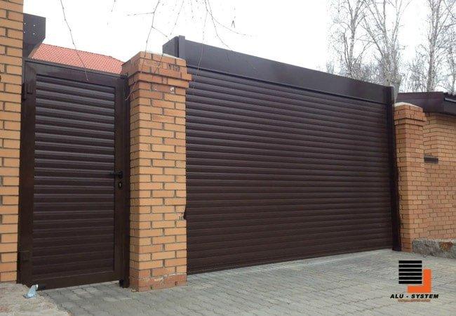 Гаражные роллетные ворота с калиткой в городе Черкассы фото
