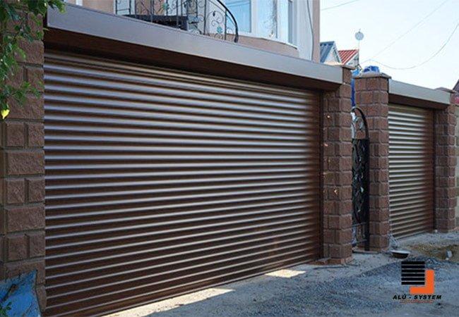 гаражные роллеты в городе Черкассы коричневые из пенозаполненного профиля фото