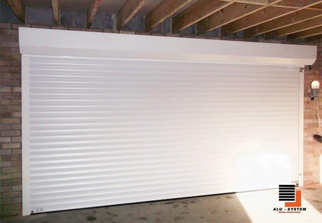 ролети в гараж білого кольору фото
