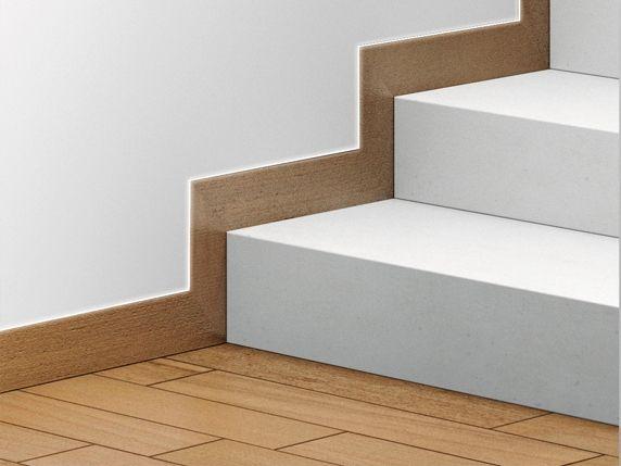 Алюминиевый плинтус скрытого монтажа под лестничную площадку фото