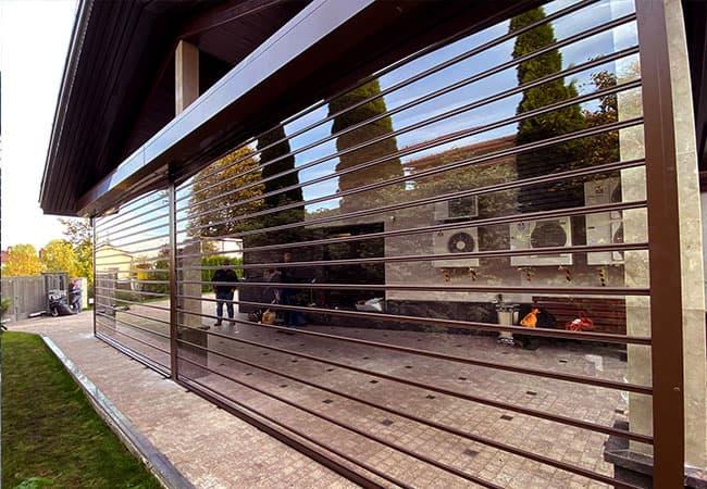 Прозрачные роллеты с поликарбоната с электроприводом фото