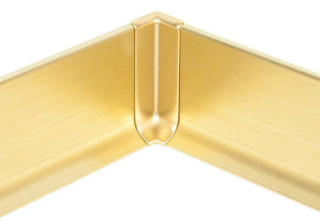 Плінтус алюмінієвий в золотому виконанні